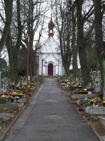 Hřbitov - pohled na kapli